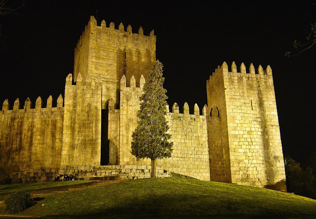 4476b-foto5-castelodosguimarc3a3es