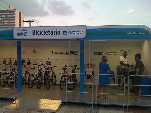 1ce6c-bicicletario_metro