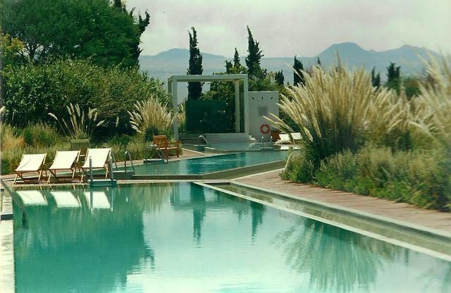 Foto 5 – Piscina hotel
