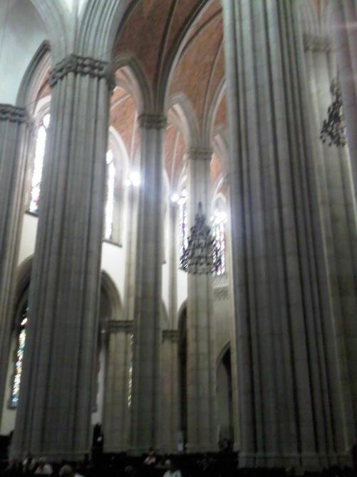 28b96-foto6a-catedralse25cc258125e225802593interior