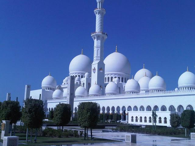 670d3-foto1a-mesquita25e225802593fachada1