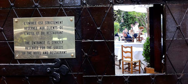 Foto 5 - Entrada do Restaurante Colombe d'Or