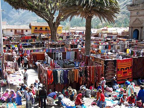 30b30-foto10-pisac-market