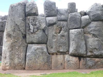 e5ae1-sacsayhuaman-cusco-peru252b1152_13012671272-tpfil02aw-17275