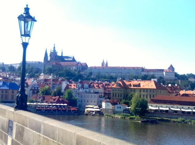 Foto 1 - Vista de Praga com o Castelo ao Fundo