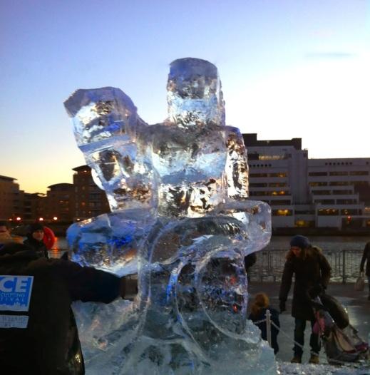 Foto 22 - Escultura de Gelo
