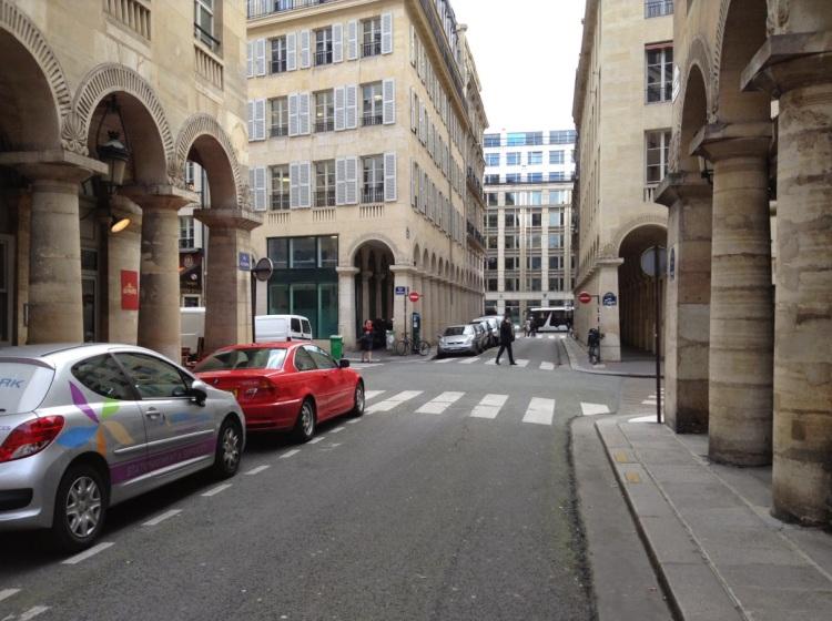 Foto 16 - Rue des Colonnes