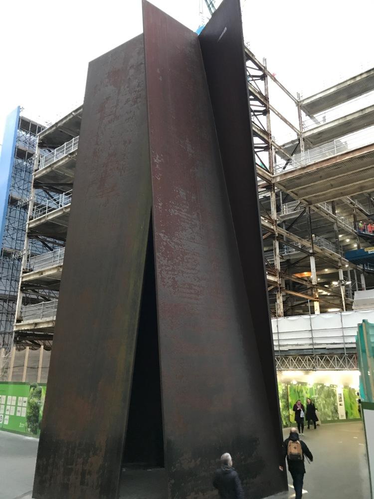 Foto 7b - Broadgate Circle Escultura Richard Serra