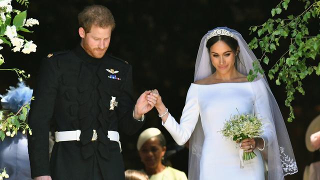 Foto 8 - Royal Wedding Prince Harry Meghan Markle leave chapel.jpg.jpg_12096480_ver1.0_640_360