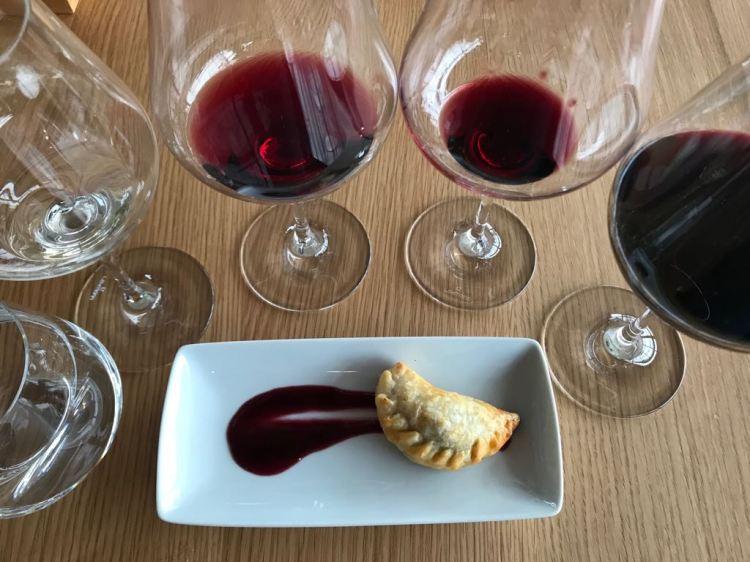 Foto 15 - Prova de vinhos na Vinícola Bouza