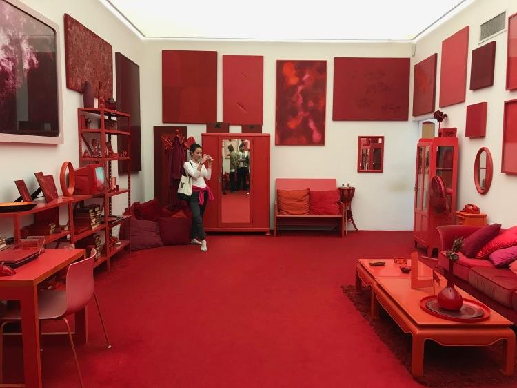 Foto 20 - Desvio para o vermelho de Cildo Meireles