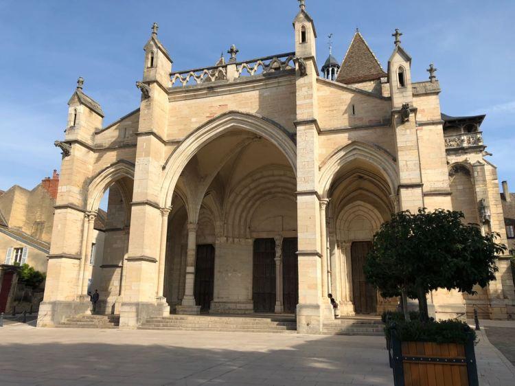 Foto 2 - Catedral de Mersault